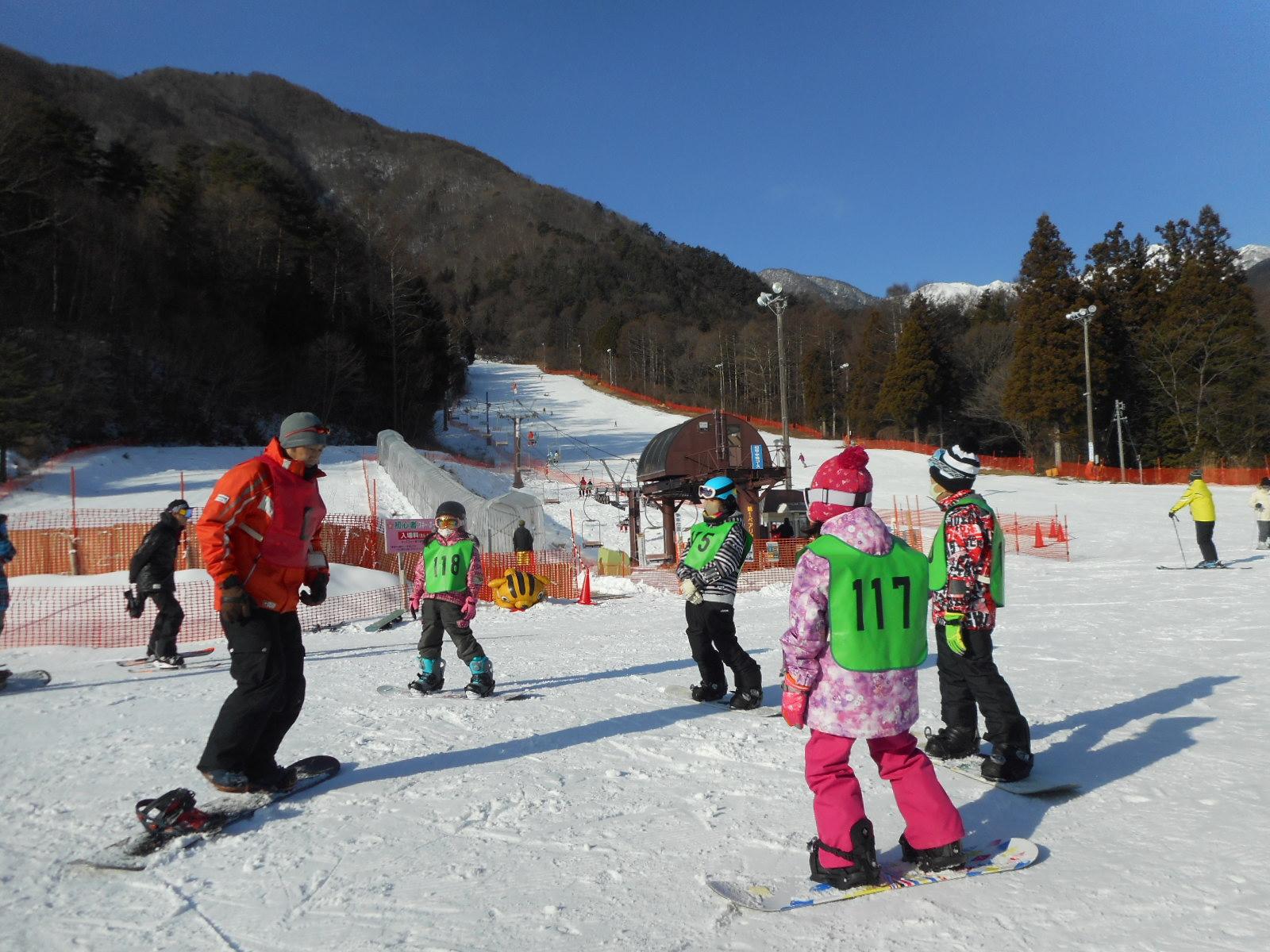 かみいな小学生スキー・ボード教室を開催しました